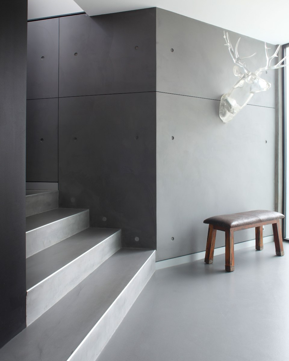Pandomo Topping Walls And Floors In Sydney Burnett Residence